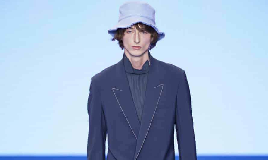 A model walks the runway during the Paul Smith menswear autum/winter 2020-21 show as part of Paris fashion week