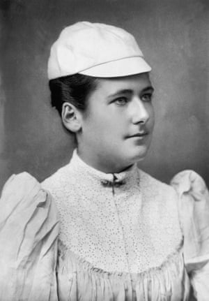 Lottie Dod, circa 1890.