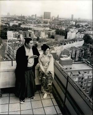 Taihō Kōki on honeymoon in London in June 1967, with his wife Yoshiko