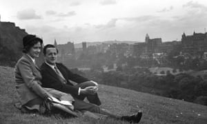 Contralto Kathleen Ferrier and English tenor Peter Pears sit on a hillside overlooking Edinburgh, September 1947.