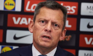 Football Association chief executive Martin Glenn announced he will stand down on Thursday.