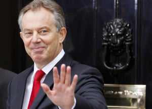 Outgoing British Prime Minister Tony Blair leaves 10 Downing Street in central London, 27 June 2007, for his last Prime Ministers Question Time at the House of Commons