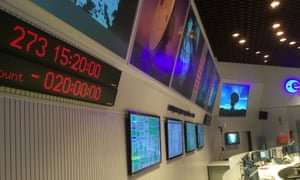 A clock in ESA mission control shows -20hrs until the end of the mission.