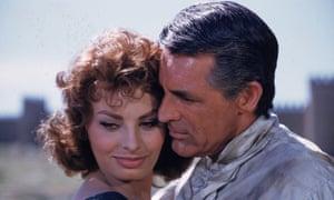 Sophia Loren con Cary Grant en El orgullo y la pasión