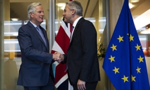 The UK Brexit secretary, Stephen Barclay (R), with the EU's chief Brexit negotiator, Michel Barnier