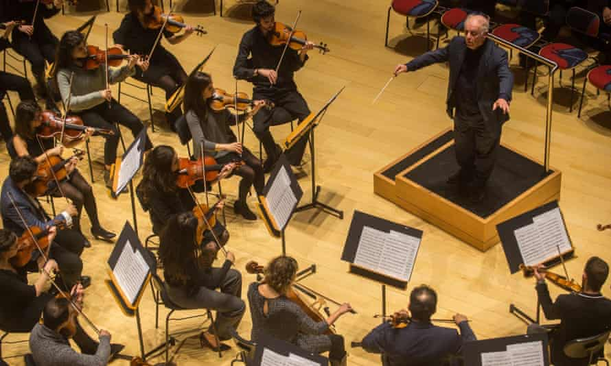 Daniel Barenboim  West-Eastern Divan Orchestra