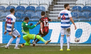 Shane Long equalizes for the Cherries.