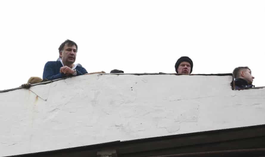 Mikheil Saakashvili appears on a rooftop