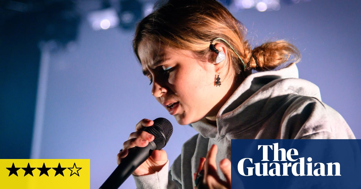 Clairo review – hard-won life lessons from adored DIY pop star