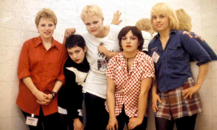 The Go-Go's in 1980 (l to r): Gina Schock, Jane Wiedlin, Carlisle, Margot Olavarria and Charlotte Caffey.