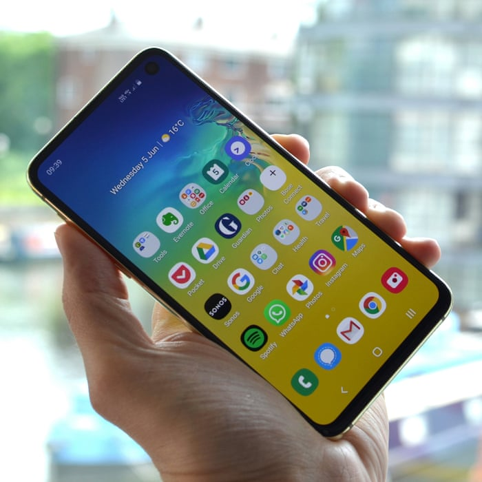 dccaa1f2 Best smartphone 2019: iPhone, Samsung, OnePlus and Huawei compared and  ranked | Technology | The Guardian