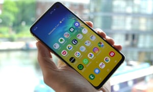Samsung Galaxy S10e review: the cheaper one | Technology