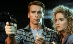 Arnold Schwarzenegger and Sharon Stone in Total Recall.