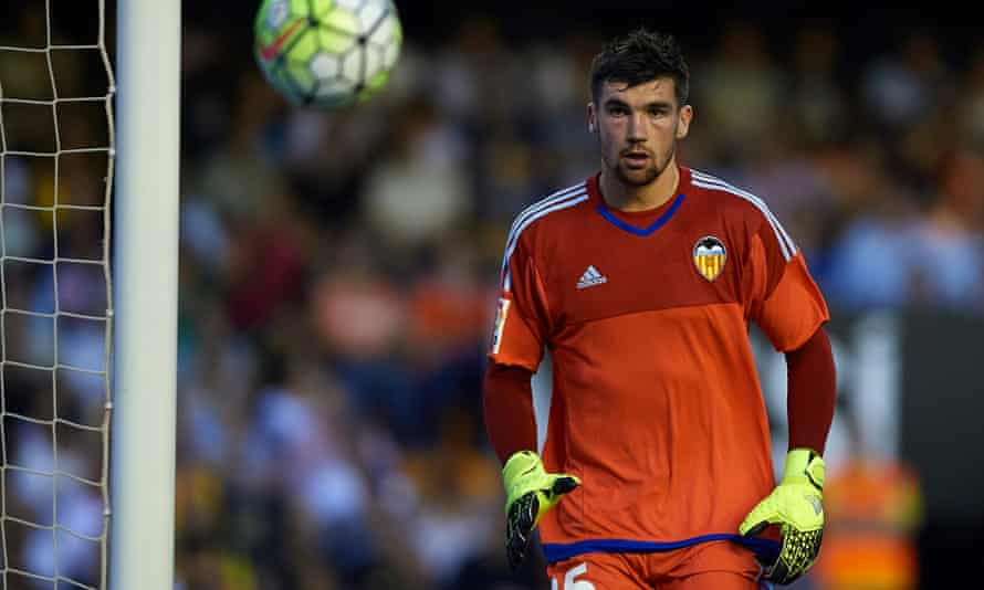 Mat Ryan has enjoyed a hugely successful 12 months, although injuries have limited his playing time since moving to Valencia.