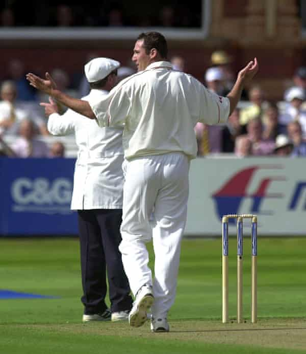 Scott Boswell after bowling his sixth wide in the 2001 C&G Trophy final against Somerset.