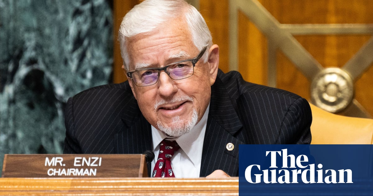 Mike Enzi, retired Republican senator from Wyoming, dies after bicycle fall