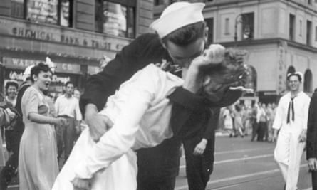 The Kissing Sailor has died. George Mendonsa was 95.