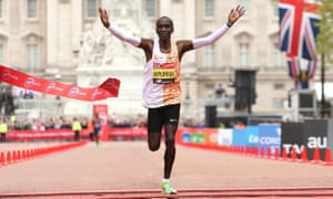 Kenya's Eliud Kipchoge won the men's race in 2019 marathon