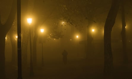 pamplona pedestrian at night