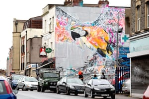 Brazilian street artist Luis Seven Martins, aka LM7, created a stunning mural of a parrot on the side of The Masonic pub in North Street