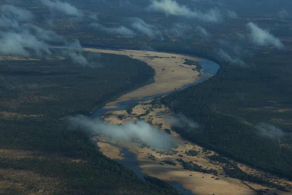 نمای هوایی به سمت ایستگاه Dunbar در خلیج Carpentaria