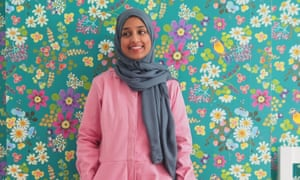 Atia Azmi - header image I work as a doctor in London and have three children under the age of 13. But in my spare time, I love making my own clothes – the results of which I share on my blog and Instagram feed, the Bright Blooms. I also co-host the un:CUT podcast, which features interviews with other makers.