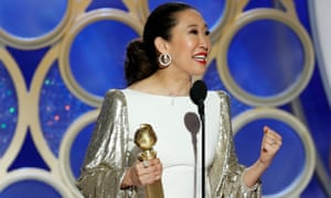 Killing Eve's Sandra Oh with her Golden Globe award for best actress in a TV Drama.
