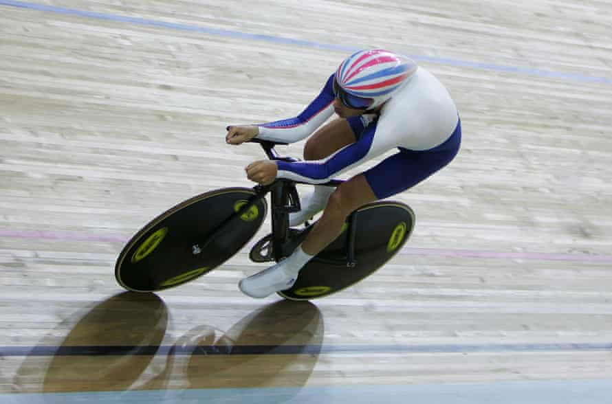 Darren Kenny in action at the men's individual pursuit (CP 3) during the 2008 Paralympics in Beijing.