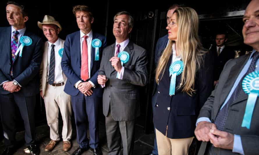 Farage and with Brexit party European election candidates in Brentwood.