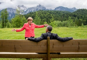 The German chancellor, Angela Merkel, talks to the US president, Barack Obama, at Elmau castle in Germany during a G7 summit. 8 June 2015.