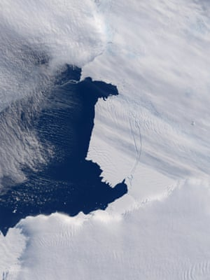 Iceberg Calving in Antarctica, 1 March 2013