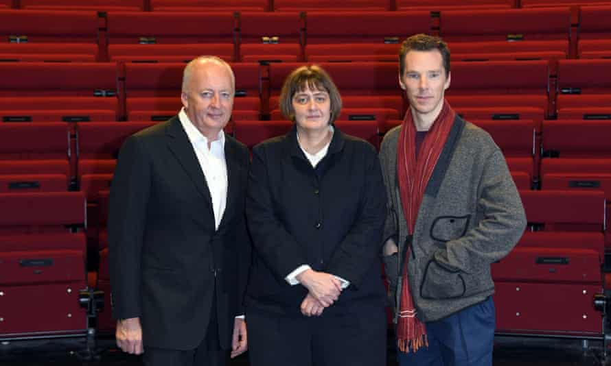 Sarah Frankcom with Benedict Cumberbatch (right) and Shaun Woodward, Lamda chair,  in 2019 shortly after becoming head.