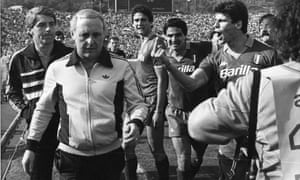 Jim McLean being accosted by Roma players after Roma's European Cup semi-final victory in 1984.