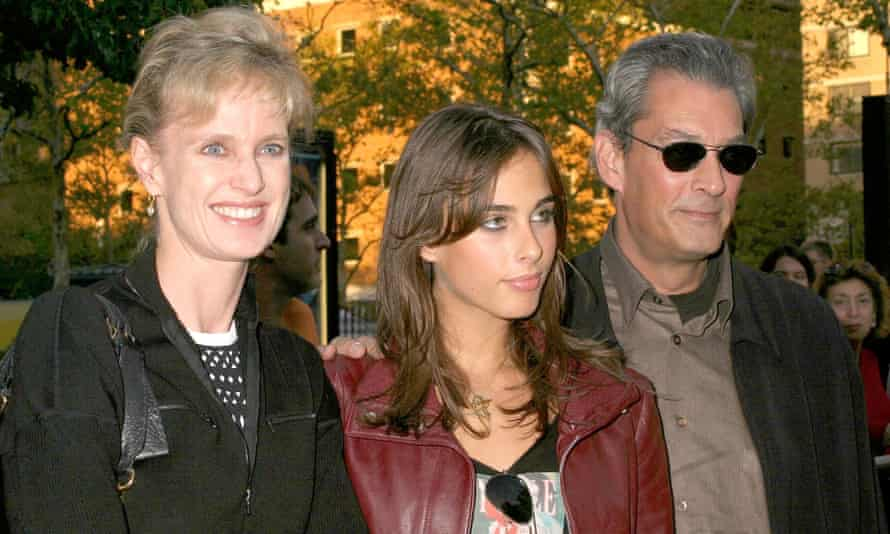 Siri Hustvedt, daughter Sophie and Paul Auster in 2004.