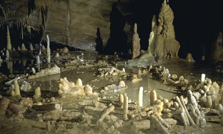 Caption: 175,000 year old Neanderthal ringed walls make from stalagmites in Bruniquel cave, France evidence of their capabilities