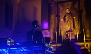 Basinski performing at St John on Bethnal Green, 29 March 2019.