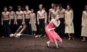 Francesca Velicu, 'raw and galvanic' in Pina Bausch's Le Sacre du printemps