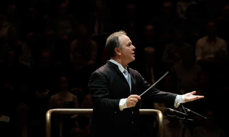 Sakari Oramo conducts the BBC Symphony Orchestra in an all-Sibelius concert to mark Finnish Independence Day.