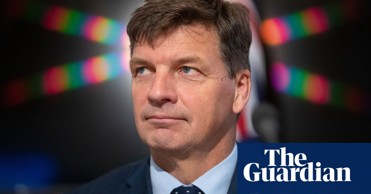 Angus Taylor v Clover Moore: WhatsApp messages reveal panic as minister's staff realised figures were wrong – The Guardian
