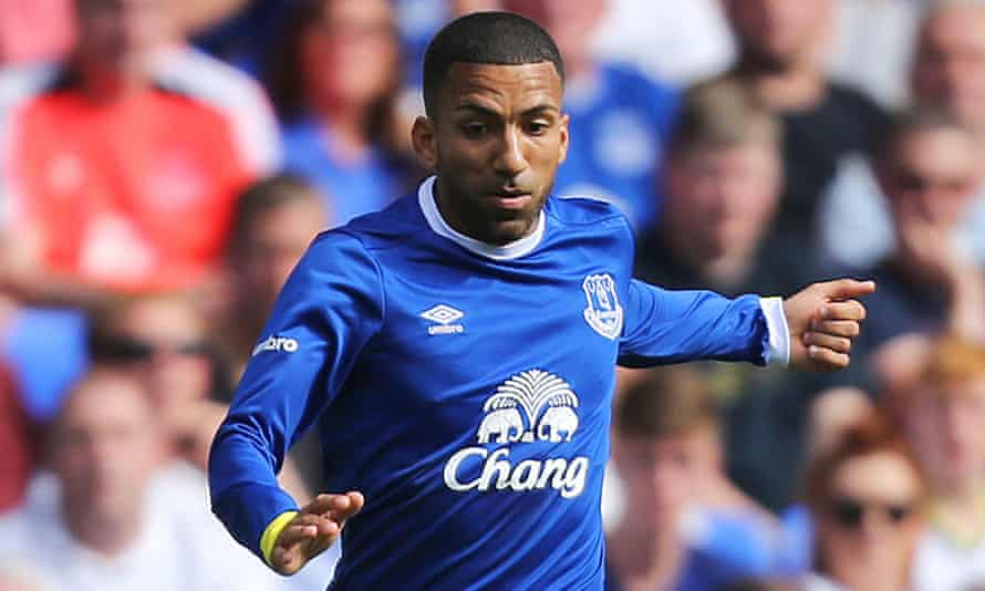 Everton's Aaron Lennon is receiving treatment for a stress-related illness, the club have said.