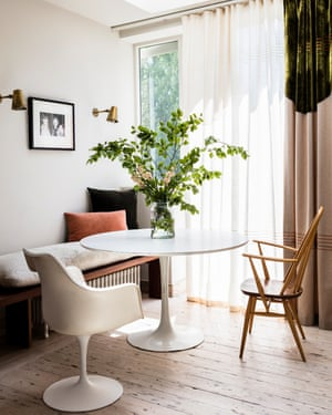 Saarinen table and Tulip chair