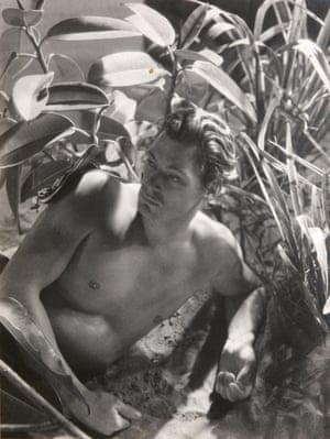 Johnny Weissmuller on the set of Tarzan, Hollywood, 1932