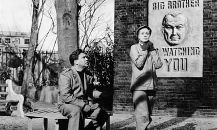 Edmond O'Brien and Jan Sterling in Nineteen Eighty-Four (1956).