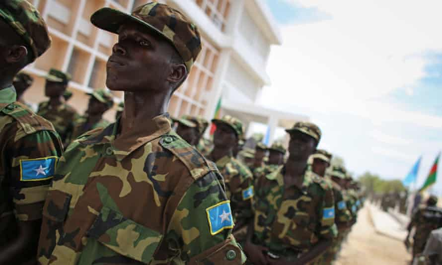 Somali soldiers aided by US forces broke into the family home of a revered nationalist leader and former president.