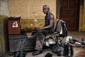 This guy shines shoes from morning to night in Havana