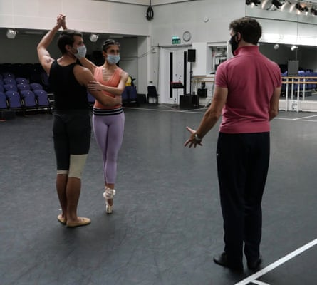 Nicol Edmonds and Yasmine Naghdi in rehearsal with Gary Avis.