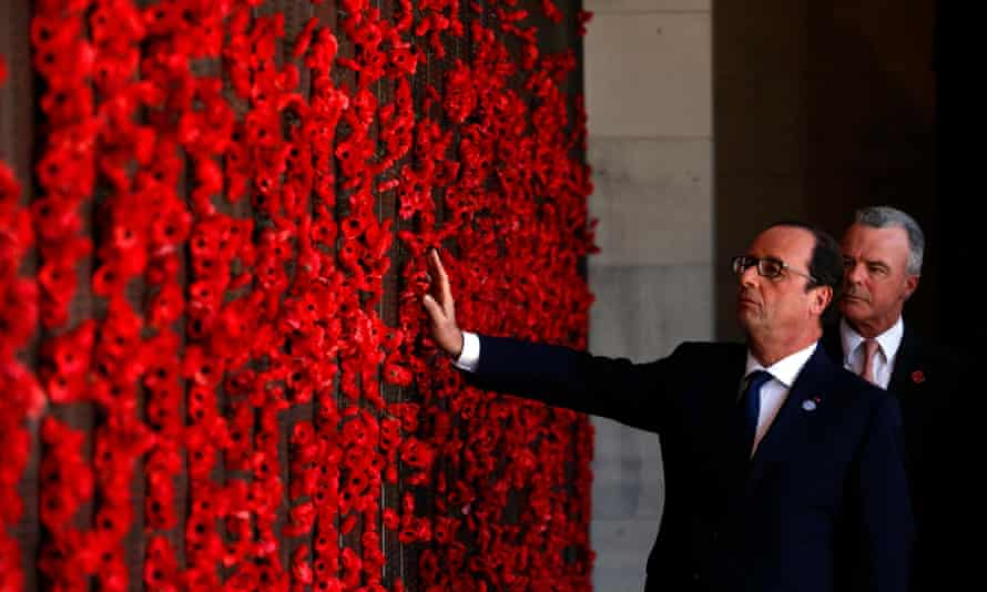 French president Francois Hollande at the war memorial's roll of honour with Brendan Nelson in November 2014.