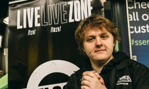 Lewis Capaldi is setting up Livelive zones at his concerts, where fans can get help with any mental health issues.