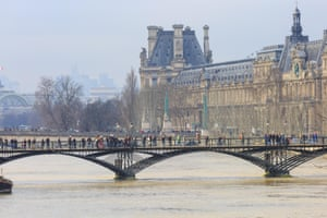 The Seine was expected to reach its peak between Saturday afternoon and early Sunday morning