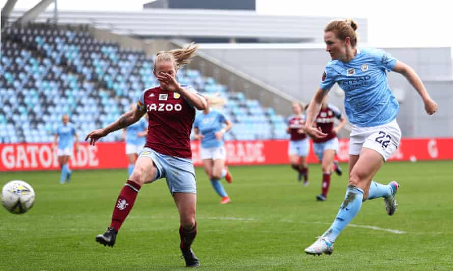 Sam Mewis scores City's eighth goal of the game.